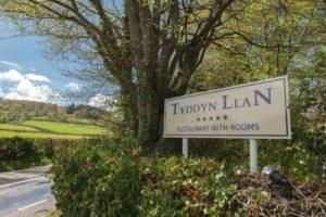 Tyddyn Llan sign